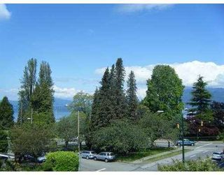 Photo 9: 1710 MACDONALD Street in Vancouver West: Home for sale : MLS®# V856837