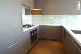 """Photo 5: 907 6538 NELSON Avenue in Burnaby: Metrotown Condo for sale in """"MET2"""" (Burnaby South)  : MLS®# R2185623"""