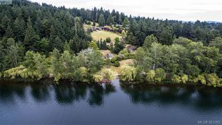 Photo 17: 535 brookleigh Road in VICTORIA: SW Elk Lake Single Family Detached for sale (Saanich West)  : MLS®# 381093