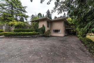 Photo 3: 535 brookleigh Road in VICTORIA: SW Elk Lake Single Family Detached for sale (Saanich West)  : MLS®# 381093