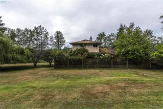 Photo 18: 535 brookleigh Road in VICTORIA: SW Elk Lake Single Family Detached for sale (Saanich West)  : MLS®# 381093