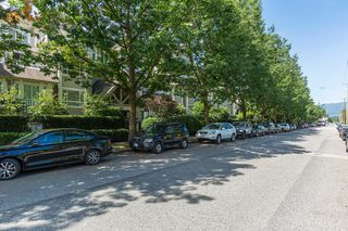 Photo 2: 204 365 E 1ST Street in North Vancouver: Lower Lonsdale Condo for sale ()  : MLS®# R2198048