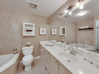 Photo 2: 39 Jarvis St Unit #501 in Toronto: Moss Park Condo for sale (Toronto C08)  : MLS®# C4014381