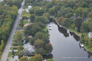 Photo 1: 18 Simcoe Road in Ramara: Brechin Property for sale : MLS®# S4038032