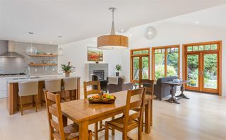 Photo 3: 5250 9A Avenue in Delta: Tsawwassen Central House for sale (Tsawwassen)  : MLS®# R2239384