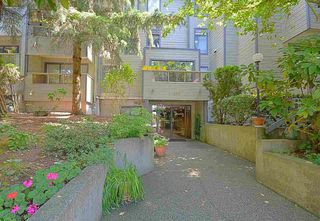 """Photo 1: 208 225 MOWAT Street in New Westminster: Uptown NW Condo for sale in """"THE WINDSOR"""" : MLS®# R2250824"""