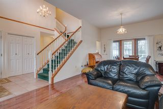 Photo 2: 3933 PARADISE Place in Abbotsford: Abbotsford East House for sale : MLS®# R2255965