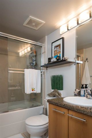 """Photo 10: 307 1718 VENABLES Street in Vancouver: Grandview VE Condo for sale in """"CITY VIEW TERRACES"""" (Vancouver East)  : MLS®# R2259867"""