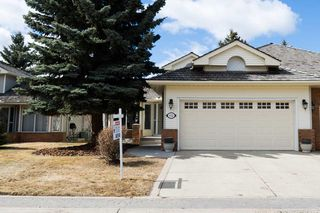 Main Photo: 112 COUNTRY CLUB Place in Edmonton: Zone 22 House Half Duplex for sale : MLS®# E4106934
