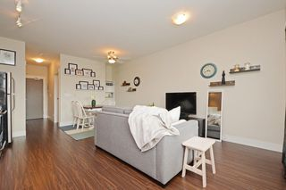Photo 4: 305 2351 KELLY Avenue in Port Coquitlam: Central Pt Coquitlam Condo for sale : MLS®# R2275677