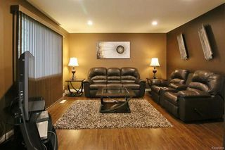 Photo 2: 542 Victoria Avenue in Winnipeg: West Transcona Residential for sale (3L)  : MLS®# 1815986
