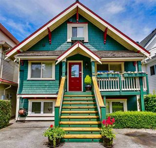 "Photo 1: 139 E 24TH Avenue in Vancouver: Main House for sale in ""MAIN STREET"" (Vancouver East)  : MLS®# R2286100"