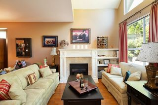 "Photo 3: 2940 PANORAMA Drive in Coquitlam: Westwood Plateau Townhouse for sale in ""SILVER OAKS"" : MLS®# R2296635"