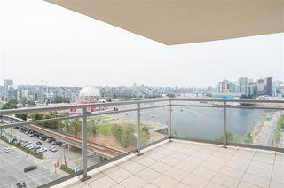 "Photo 15: 1405 120 MILROSS Avenue in Vancouver: Mount Pleasant VE Condo for sale in ""Brighton"" (Vancouver East)  : MLS®# R2299043"