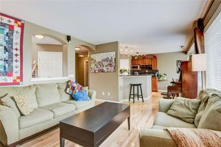 Photo 6: 387 MILLRISE Square SW in Calgary: Millrise Detached for sale : MLS®# C4203578
