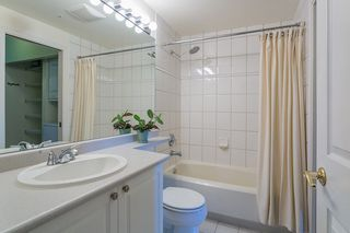 "Photo 13: 304 2588 ALDER Street in Vancouver: Fairview VW Condo for sale in ""BOLLERT PLACE"" (Vancouver West)  : MLS®# R2304230"