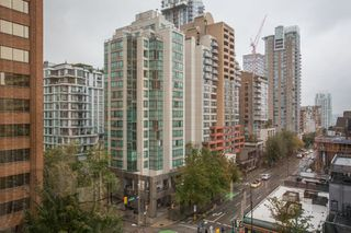 "Photo 14: 605 1177 HORNBY Street in Vancouver: Downtown VW Condo for sale in ""London Place"" (Vancouver West)  : MLS®# R2304699"