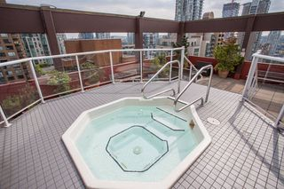 "Photo 19: 605 1177 HORNBY Street in Vancouver: Downtown VW Condo for sale in ""London Place"" (Vancouver West)  : MLS®# R2304699"