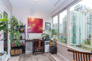 "Photo 11: 605 1177 HORNBY Street in Vancouver: Downtown VW Condo for sale in ""London Place"" (Vancouver West)  : MLS®# R2304699"