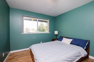 Photo 10: 17256 62 Avenue in Surrey: Cloverdale BC House for sale (Cloverdale)  : MLS®# R2310093