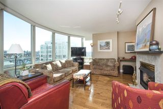 "Photo 3: 1608 1500 HORNBY Street in Vancouver: Yaletown Condo for sale in ""888 BEACH"" (Vancouver West)  : MLS®# R2314224"