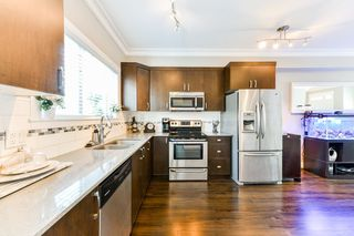 """Photo 2: 4 838 ROYAL Avenue in New Westminster: Downtown NW Townhouse for sale in """"BRICKSTONE WALK II"""" : MLS®# R2331286"""