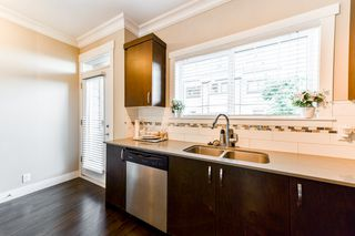 """Photo 3: 4 838 ROYAL Avenue in New Westminster: Downtown NW Townhouse for sale in """"BRICKSTONE WALK II"""" : MLS®# R2331286"""