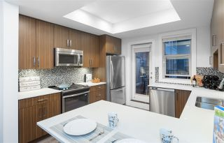 """Photo 2: 6 3022 SUNNYHURST Road in North Vancouver: Lynn Valley Townhouse for sale in """"Ross Residence"""" : MLS®# R2346413"""