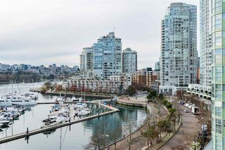 """Main Photo: 905 1067 MARINASIDE Crescent in Vancouver: Yaletown Condo for sale in """"Quay West"""" (Vancouver West)  : MLS®# R2348196"""