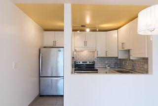 """Photo 8: 202 2001 BALSAM Street in Vancouver: Kitsilano Condo for sale in """"BALSAM MEWS"""" (Vancouver West)  : MLS®# R2353476"""