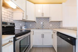 """Photo 11: 202 2001 BALSAM Street in Vancouver: Kitsilano Condo for sale in """"BALSAM MEWS"""" (Vancouver West)  : MLS®# R2353476"""
