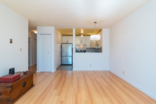 """Photo 7: 202 2001 BALSAM Street in Vancouver: Kitsilano Condo for sale in """"BALSAM MEWS"""" (Vancouver West)  : MLS®# R2353476"""