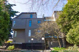 """Main Photo: 202 2001 BALSAM Street in Vancouver: Kitsilano Condo for sale in """"BALSAM MEWS"""" (Vancouver West)  : MLS®# R2353476"""
