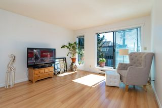 """Photo 6: 202 2001 BALSAM Street in Vancouver: Kitsilano Condo for sale in """"BALSAM MEWS"""" (Vancouver West)  : MLS®# R2353476"""