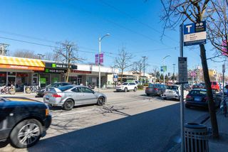 """Photo 15: 202 2001 BALSAM Street in Vancouver: Kitsilano Condo for sale in """"BALSAM MEWS"""" (Vancouver West)  : MLS®# R2353476"""