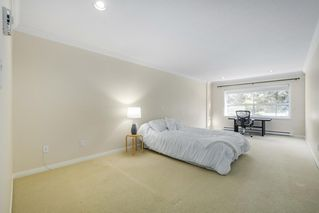 """Photo 15: 307 1500 OSTLER Court in North Vancouver: Indian River Condo for sale in """"Mountain Terrace"""" : MLS®# R2368182"""