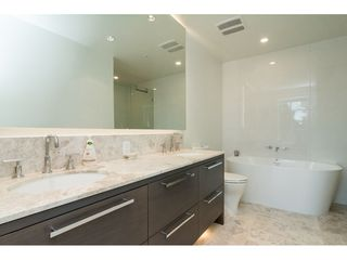 "Photo 12: 403 1501 VIDAL Street: White Rock Condo for sale in ""THE BEVERLY"" (South Surrey White Rock)  : MLS®# R2372385"