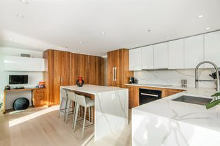 """Photo 8: 501 1012 BEACH Avenue in Vancouver: Yaletown Condo for sale in """"1000 BEACH"""" (Vancouver West)  : MLS®# R2377909"""