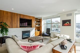 """Photo 3: 501 1012 BEACH Avenue in Vancouver: Yaletown Condo for sale in """"1000 BEACH"""" (Vancouver West)  : MLS®# R2377909"""
