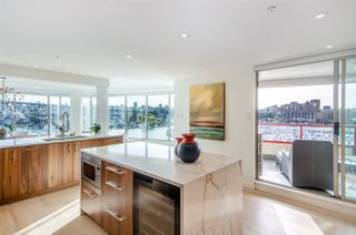 """Photo 9: 501 1012 BEACH Avenue in Vancouver: Yaletown Condo for sale in """"1000 BEACH"""" (Vancouver West)  : MLS®# R2377909"""
