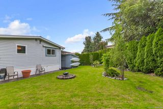 "Photo 16: 20 2303 CRANLEY Drive in Surrey: King George Corridor Manufactured Home for sale in ""Sunnyside Estates"" (South Surrey White Rock)  : MLS®# R2413496"