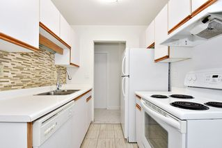 """Photo 7: 303 998 W 19TH Avenue in Vancouver: Cambie Condo for sale in """"SOUTHGATE PLACE"""" (Vancouver West)  : MLS®# R2415200"""