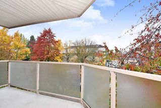 """Photo 15: 303 998 W 19TH Avenue in Vancouver: Cambie Condo for sale in """"SOUTHGATE PLACE"""" (Vancouver West)  : MLS®# R2415200"""
