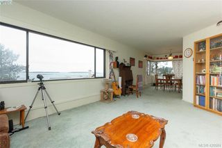 Photo 3: 201 2747 Satellite Street in VICTORIA: OB South Oak Bay Condo Apartment for sale (Oak Bay)  : MLS®# 420584