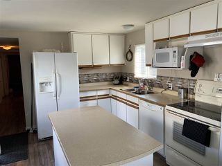 "Photo 2: 32 21668 LOUGHEED Highway in Maple Ridge: West Central Manufactured Home for sale in ""CENTENNIAL MOTOR INN & TRAILER COURT"" : MLS®# R2450858"