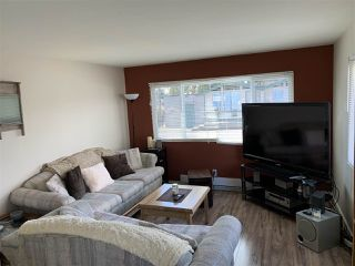 "Photo 3: 32 21668 LOUGHEED Highway in Maple Ridge: West Central Manufactured Home for sale in ""CENTENNIAL MOTOR INN & TRAILER COURT"" : MLS®# R2450858"