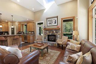 Photo 3: 12232 261 Street in Maple Ridge: Websters Corners House for sale : MLS®# R2493946