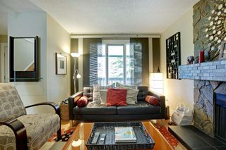 Photo 2: 172 WOODGLEN Grove SW in Calgary: Woodbine Detached for sale : MLS®# A1030510