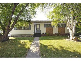 Photo 1: 5019 48 Street NW in CALGARY: Varsity Acres Residential Detached Single Family for sale (Calgary)  : MLS®# C3491966