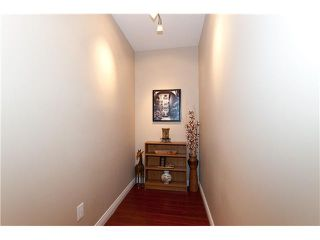 """Photo 7: 107 929 W 16TH Avenue in Vancouver: Fairview VW Condo for sale in """"Oakview Gardens"""" (Vancouver West)  : MLS®# V921322"""